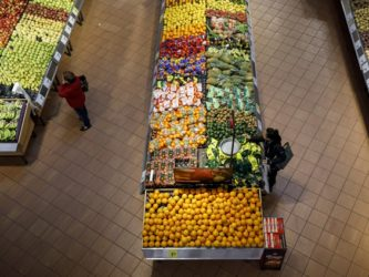 Quebec grocery sector finding its way under curfew