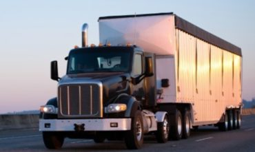 Manitoba launches second intake for Efficient Trucking Program